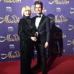 Marlies Möller plus Begleitung auf der Premiere von Disneys #Aladdin #AladdinHamburg