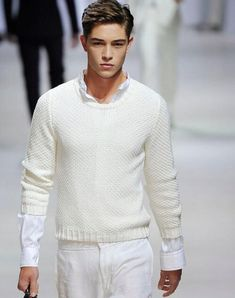 Francisco Lachowski in Ermenegildo Zegna Francisco Lachowski, Look Fashion, Mens Fashion, White Fashion, Outfit Man, Top Male Models, Cute White Guys, Look Man, Sexy Men