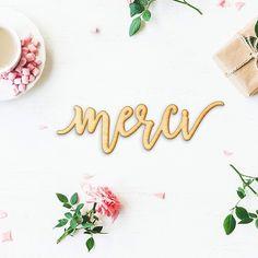 Vous êtes 600 followers par ici ! Merci pour votre confiance et votre soutien !   Crédit photo : @woodumsdecor   #merci #thankyou #600followers #sarahfarsyscenographie #scenography #scenographie #thanks #wood #600 #mariage #décoration #fleurs #flowers #rose #deco #bois #decoupelaser #wedding #weddingdesign #pink #decorationmariage #evenement #decoratrice #happy #love #decodetable #tablename #rouen #mariagenormandie #normandie