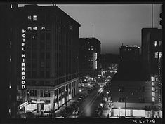 Title: Des Moines, Iowa. Night view  Creator(s): Vachon, John, 1914-1975, photographer  Date Created/Published: 1940 Apr.  Medium: 1 negative : safety ; 3 1/4 x 3 1/4 inches or smaller.  Reproduction Number: LC-USF34-060942-D (b film neg.)   Library of Congress