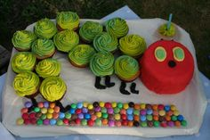 The Very Hungry Caterpillar! Perfect for a 1st Birthday, cupcakes for kids, and a small cake for baby!