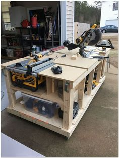 How to Choose the Perfect Workbench - Garage work bench, Workshop bench, Woodworking bench plans, Mobile workbench, Woodworking workbench - Woodworking Bench Plans, Woodworking Workshop, Woodworking Projects Diy, Woodworking Furniture, Wood Plans, Wood Projects, Woodworking Basics, Woodworking Shop Layout, Teds Woodworking