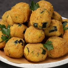 """This is """"Polpette di tonno e zucchine con cuore di provola"""" by Al.ta Cucina on Vimeo, the home for high quality videos and the people who love them. Dinner Recipes Easy Quick, Healthy Dinner Recipes, Healthy Snacks, Easy Meals, Cooking Recipes, Tasty Videos, Food Videos, Easy Healthy Breakfast, Casserole Recipes"""