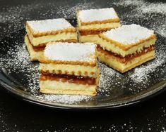 Εύκολο γλυκό ψυγείου με μπισκότα – foodaholics.gr Greek Desserts, Greek Recipes, Greece Food, Tiramisu, Waffles, Cheesecake, Dessert Recipes, Sweets, Baking
