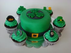 St. Patricks Day Cake and Cupcakes