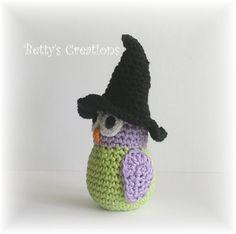 Da es jetzt ja verstärkt auf Halloween zu geht, hat sich Eulalia schon mal eine entsprechende Kostümierung zugelegt und sich als Buhu verkle...