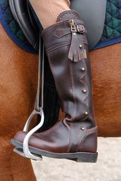 Spanish Riding boots, nice.