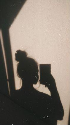 Black Aesthetic Wallpaper, Purple Aesthetic, Aesthetic Backgrounds, Aesthetic Iphone Wallpaper, Aesthetic Wallpapers, Nature Aesthetic, Shadow Photography, Tumblr Photography, Girl Photography Poses