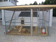 Latest Images Great Screen chicken coop within dog kennel Tips The use of a do. Latest Images Great Screen chicken coop within dog kennel Tips The use of a dog kennel happe… Portable Chicken Coop, Backyard Chicken Coops, Diy Chicken Coop, Chickens Backyard, Chicken Run Ideas Diy, Portable Dog Kennels, Wooden Dog Kennels, Diy Dog Kennel, Kennel Ideas