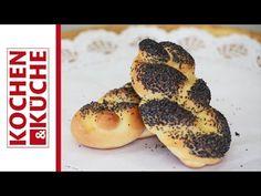 Mohnweckerl selber machen | Kochen und Küche Bagel, Goodies, Food, Regional, Breads, Youtube, Bread Baking, Oven, Easy Meals