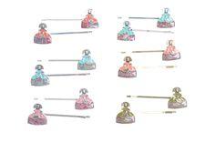 Horquillas de meninas en metal esmaltado colores varios muy originales y únicos en www.sonatachic.com #etnico #pulseras #cool #ethinc #sonata #chic #bisuteria #snt #moda #fashion #tendencia #collares #gargantillas #anillos #outfits #complementos #cubrebotas #joyas #broches #tobilleras  #bolsas #expositores #llaveros #accesorios #pelo #gemelos #metal #colgante #cristal #meninas #horquillas
