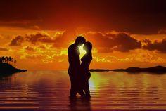 Gli innamorati che acquistano una settimana nei Ricci Hotels di Cesenatico, restano in vacanza gratis un giorno in più prima di ripartire, dal 19 maggio al 7 giugno 2014. Scopri i dettagli su http://www.stilefemminile.it/come-romantico-il-mare/