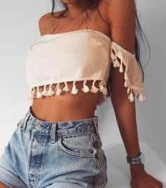 Do you want the latest trends seen in tumblr without going broke? click HERE • Sale up to 85% starting at 2.99$ + weekly giveaways