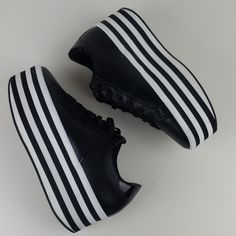 Aldo Shoes | Aldo Nydoilia Black White Platform Sneakers Shoes | Poshmark Aldo Shoes Mens, Shoe Game Wedding, Sneakers Fashion, Shoes Sneakers, Comfortable Work Shoes, White Platform Sneakers, Shoes Boots Ankle, Aesthetic Shoes, 2020 Fashion Trends