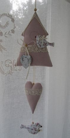 Handmade Home, Handmade Gifts, Sewing Crafts, Sewing Projects, Deco Nature, Cross Stitch House, Fabric Hearts, Handmade Cushions, Heart Crafts