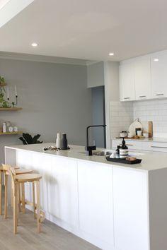 Matte Black Kitchen Mixer Tap by Meir. Get the look at www.meir.com.au/ #MeirAustralia #matteblack #kitchen #tapwear