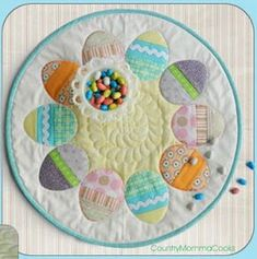 Free Pattern Day: Easter !