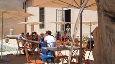 Ne manquez pas la terrasse du restaurant végétarien le Café Borély, à Marseille.