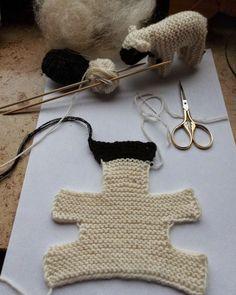 faulengraben: Dezember 2014 - Moni Ca - Handarbeit I used to when my kids were little - now I have the Anle . I used to when my kids were little - now I have the Anle . Faulengraben: December 2014 - Diy And Craft … habe ich schon mal als meine Kinder n Baby Knitting Patterns, Free Knitting, Crochet Patterns, Knitting Wool, Wool Yarn, Charity Knitting, Beginner Knitting, Blanket Patterns, Knitting Stitches