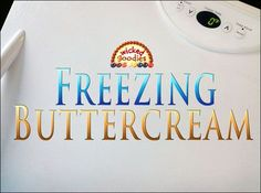 Tutorial with info and instructions on how to freeze buttercream frosting for cake decorating by Wicked Goodies Buttercream Frosting Cookies, Cupcake Frosting Tips, Baking Cupcakes, Frosting Types, Cake Decorating Techniques, Cake Decorating Tips, Cookie Decorating, Freezing Cream Cheese, Freezing Butter