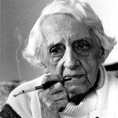 María Zambrano Alarcón  fue una pensadora, filósofa y ensayista española. Hija del también filósofo y pedagogo Blas Zambrano, fue discípula de Xavier Zubiri y colega de José Ortega y Gasset.