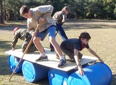 """Exampling great teamwork during the """"Lizzy Gator"""" . Exampling great teamwork during the """"Lizzy Gator"""" … – Youth Group Games, Team Games, Youth Activities, Activity Games, Family Games, Fun Games, Team Bonding Games, Teamwork Games, Youth Groups"""