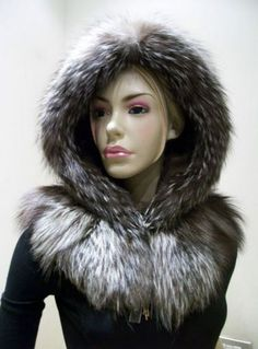 I found a young Designer on Ebay. Tatyana is from Italy/Milano and her work is handmade and every single piece unique. She is using old coats and fur only. I love it - if you want something like this, send me a note