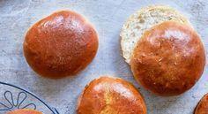 Briochehamburgerbröd Swedish Bread, Food Journal, Recipe Journal, Swedish Recipes, Pretzel Bites, Bread Recipes, Sweet Potato, Hamburger, Potatoes