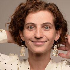 - Vă plac pisicile, Gruni? - Ne plaaac! - Și lor de voi? - Și ele nouă! Happy Caturday, everyone 😽😻😼 . . Photo: @dianabilec  Model: @anastasia.d.e.m ❤ Porcelain Jewelry, Bracelets, Jewelry Making, Drop Earrings, Anastasia, Instagram, Fashion, Handmade, White Ceramics
