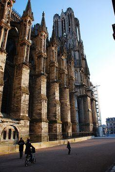 Notre-Dame de Reims #France #Paris #city #vision #pariscityvision #visiterparis #tour #tours #visit #visite #visites #travel #voyage #tourism #tourisme #reims #champagne
