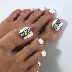 What is a beautiful pedicure? the best design ideas for marigo Pretty Toe Nails, Cute Toe Nails, Glam Nails, Love Nails, Beauty Nails, Beach Toe Nails, Pedicure Designs, Pedicure Nail Art, Toe Nail Designs