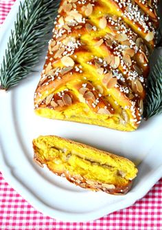 This beautiful traditional Saffron braided bread filled with vanilla cream is the perfect way to enjoy the Swedish Christmas festivities. Croissants, Pavlova, Swedish Recipes, Sweet Recipes, Cupcakes, Baking Recipes, Dessert Recipes, Saffron Recipes, Braided Bread