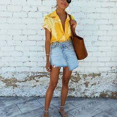 JULIE SARIÑANA (@sincerelyjules) • Fotos y vídeos de Instagram Sincerely Jules, Birkenstock, Vacation Style, Street Style Summer, Yellow Top, Love Her Style, Summer Wardrobe, Spring Summer Fashion, Denim Skirt