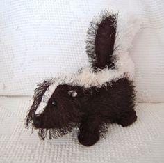 "ADORABLE! Stuffed 12"" SKUNK Ganz Webkinz BLACK WHITE Hard to Find Animal!"