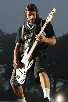 Robert Jason Newsted, Cliff Burton, Robert Trujillo, James Hetfield, Metallica, Ron Mcgovney, Jaime Preciado, Dallon Weekes, Dave Mustaine