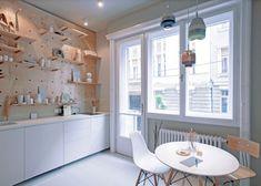 L'aménagement de ce petit appartement (30 m2) à Budapest a été conçu par l'équipe de Position Collective, pour offrir une expérience de logement originale