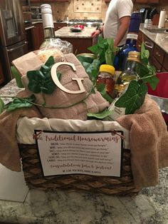 Traditional Housewarming Gifts, Housewarming Gift Baskets, Housewarming Party, Congratulations Gift, Unique Christmas Gifts, Christmas Ideas, Coffee Gifts, Spa Gifts, Romantic Gifts