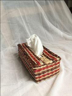 Schnuffelt�cher aus der Box- Spender f�r Taschent�cher aus Zeitungspapier