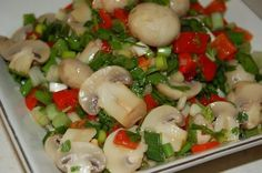 For those who are on a diet and are looking for a rich salad recipe, my Garnish Mushroom Salad recip Chanterelle Mushroom Recipes, Mushroom Salad, Chicken Mushroom Recipes, Healthy Eating Tips, Healthy Recipes, Turkish Recipes, Ethnic Recipes, Appetizer Salads, Food Shows