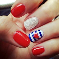 nautical nails - heh, like I'd ever have time for this. Cute though.