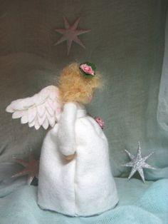 Jahreszeitentisch - Engel Schutzengel f.d. Waldorf - Jahreszeitentisch - ein Designerstück von Blumenkinder-Unikate bei DaWanda