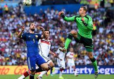 Cobro para Alemania.... Mundial Brasil 2014. partido final entre Argentina y Alemania en el Maracana de Rio de Janeiro. Brasil. 13 julio de 2014.