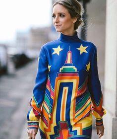 #МИЛАНСКИЕ_ЦЕНЫ красочные наряды из новой коллекции Valentino представлены на 3 этаже ЦУМа по миланским ценам. #TSUM #ЦУМ #VALENTINO
