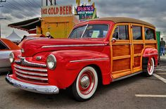 A 1948 Ford Woddy on display at the 2012 NHRA Full Throttle Drag Racing Series in Pomona, California. Vintage Cars, Antique Cars, Station Wagon Cars, Woody Wagon, Shooting Brake, Hot Rod Trucks, Ford Thunderbird, Car Ford, Drag Racing