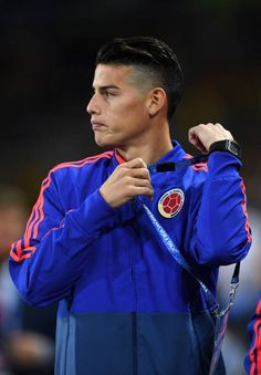 James Rodriguez of Colombia looks on during the 2018 FIFA World Cup Russia Round of 16 match between Colombia and England at Spartak Stadium on July. James Rodriguez Colombia, James Rodrigues, Ronaldo Real Madrid, Real Madrid Players, Messi And Ronaldo, Neymar Jr, Fifa World Cup, Football Players, Russia