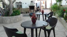La Llar de Laura El Poble Nou del Delta Set in El Poblenou del Delta, 40 km from Pe??scola, La Llar de Laura boasts air-conditioned rooms with free WiFi. The bed and breakfast has a barbecue and views of the garden, and guests can enjoy a meal at the restaurant.