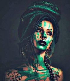 This is what comes out when my boyfriend and me are freaking out with bodypaint 🤚💚💙🤚 Dreads Girl, Drawing Reference Poses, Freak Out, Coming Out, Body Painting, Beautiful Pictures, Halloween Face Makeup, Boyfriend, Dreadlocks