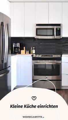 Eine kleine Küche einrichten kann eine Herausforderung sein, aber auch Spaß machen. Denn ist der wenige Platz erst einmal richtig ausgenutzt, steht die kleine Küche einer großen in (beinahe) nichts nach. Mit unseren 5 Tipps kannst Du eine kleine Küche einrichten und dabei das meiste aus ihr rausholen. Wall Oven, Kitchen Appliances, Home Decor, Fold Away Table, Simple, Homes, Tips, Diy Kitchen Appliances, Home Appliances