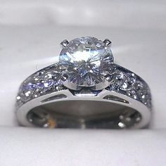1.25 ct. Diamond engagement ring set in 14 karat white gold