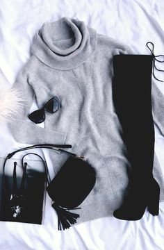 Tea Reader Light Grey Sweater Dress - Monocromatic Winter Outfit You are in the right place about outfits jeans Here we offer you the mos - Fashion Mode, Look Fashion, Fashion Outfits, Womens Fashion, Swag Fashion, Fashion Pants, Fall Winter Outfits, Autumn Winter Fashion, Winter Clothes
